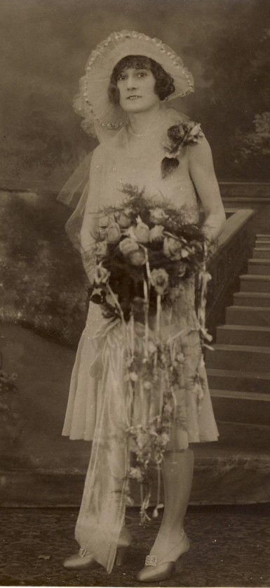 Wedding fashion, circa 1926