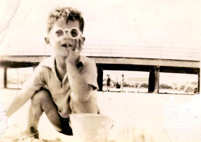 "In 1937, my dad also knew how to spend a weekend with ""Shades""!"