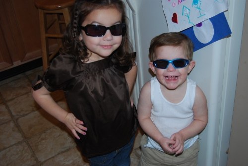 "Ava and Nicky celebrate Aunt Donna's ""Weekend with Shades"" debut!"