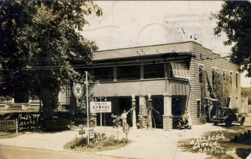 Wallace's Garage in Salem, IL circa 1932; photo by Benke