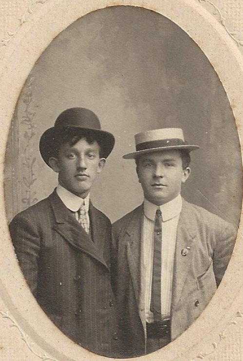 Julius Goetz is on the right - is the man on the left his brother Herman?