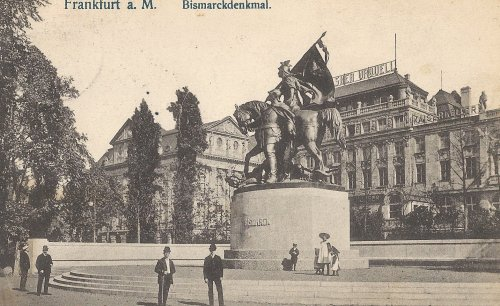 Front: The Bismarckdenkmal in Frankfurt a. Main