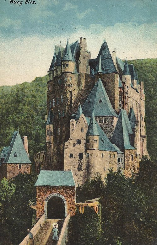 Front: Burg Eltz located between Koblenz and Trier
